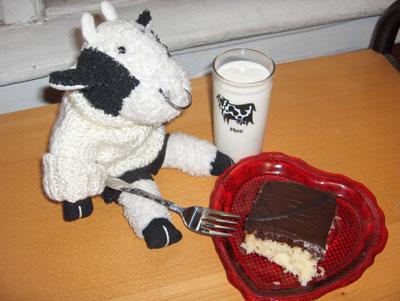 Bully likes cake!